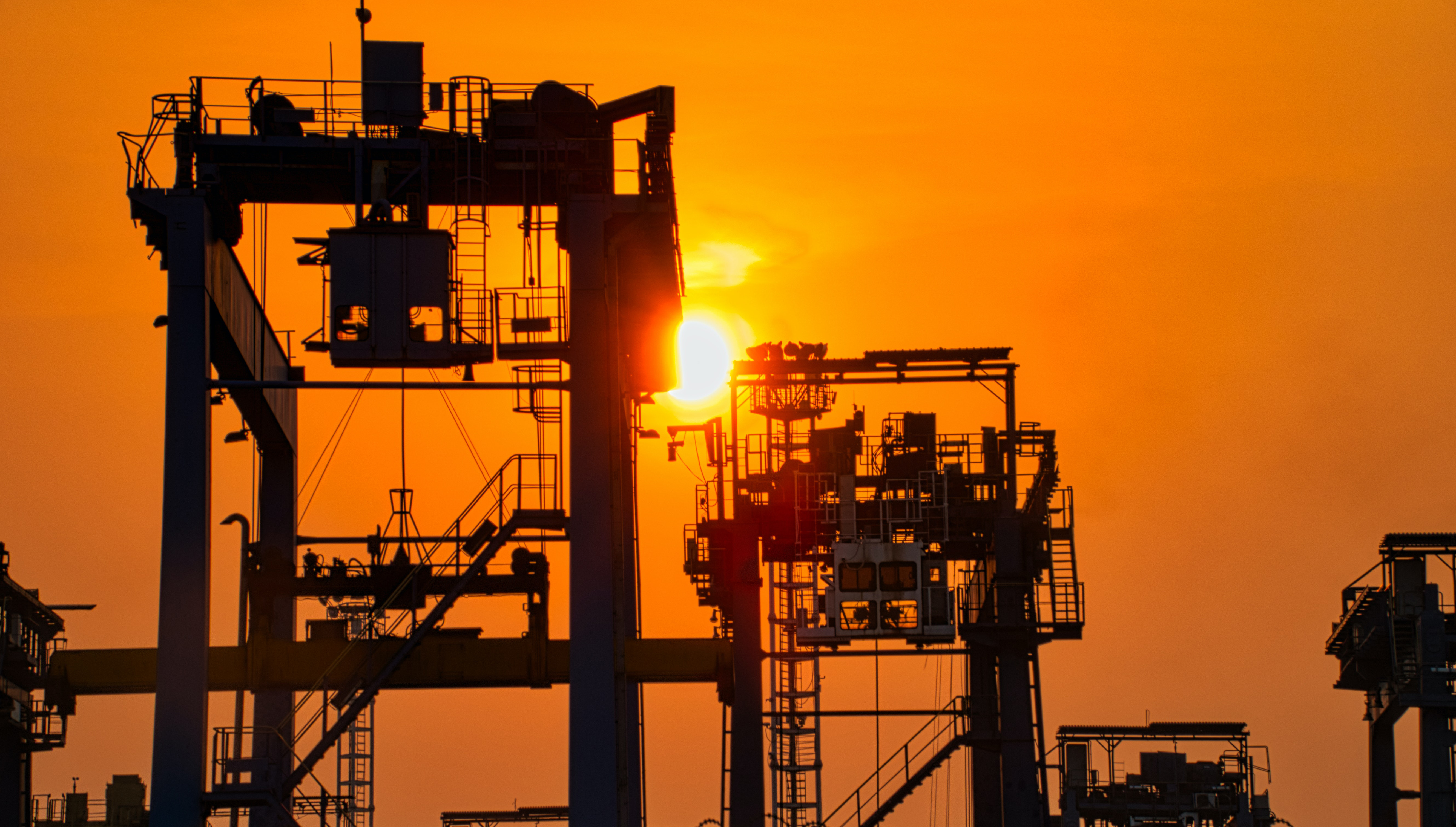 strategic-minerals-and-oil-governance